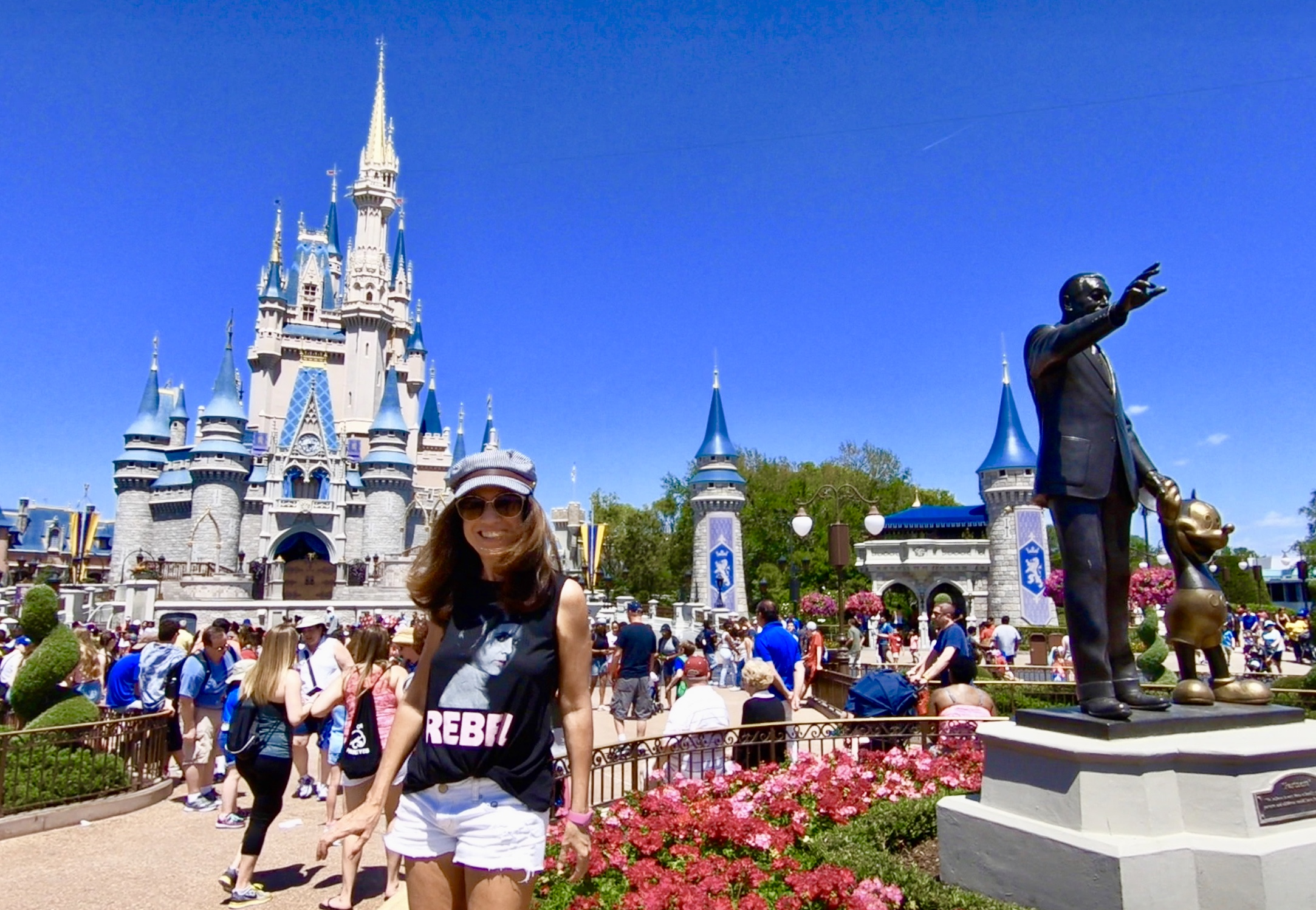Overview. Featuring four exciting theme parks, two water parks, an entertainment complex and much more in Orlando, Florida, Walt Disney World® Resort is a world-renowned attraction themed around classic Disney fairytales and newly popular Disney stories.